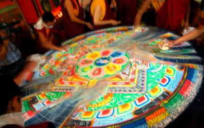 Noi al centro. Il nostro volto, la nostra anima nei colori di un Mandala. | Dietro le Quarte, il Blog di Franco Angeli